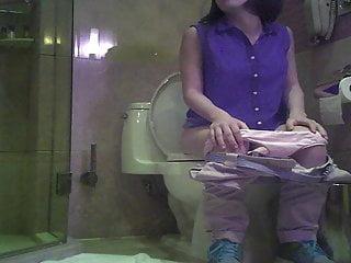 Chinese schoolgirl pissing voyeur