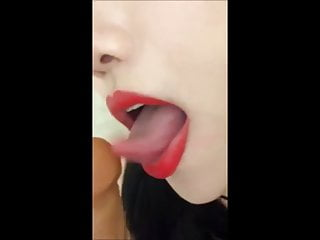 Beautiful model did a great blowjob, got fucked eventually