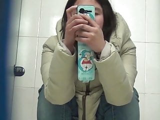 Chinese toilet peeing 12