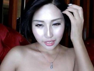 Chinese Girl Dansing