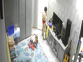 Unsecured Cam- after bath Old Woman